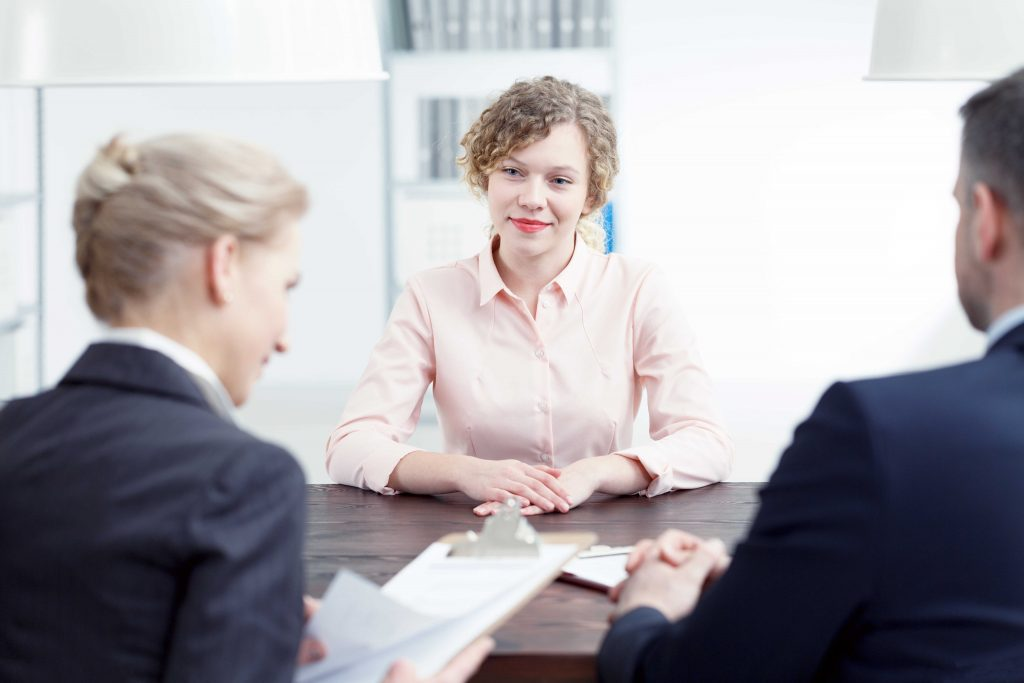 How to Introduce Yourself and Submit Your Resume Recruitment Interview